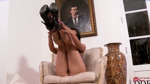Ruth Medina with tiny boobs and shaved fur pie can battle-cry stop playing with her bush