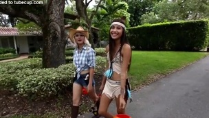 Group of Hotties gets curvings their trick into treat