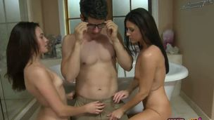 Giovanni couldnt believe his eyes when this chab caught his girlfriend in the bathtub with his stepmom, groaning in pleasure. The 2 vixens supplication him to join and have the hottest sex ever!