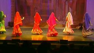 Bellydance superstars - appealing dance