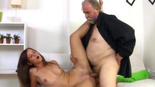 Looking young hottie takes in mouth old dick