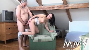 Little brunette acquires it on all over an old gay blade all over spread legs and open face hole