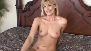 Awesome MILF posing for a captivating discharge during rub-down the time that giving a comely oral-sex in a fancy compilation