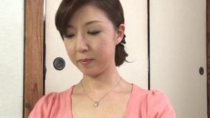 Masturbating Japanese dark brown in bra masturbates and fucked hardcore
