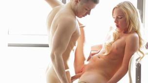 Hunk is having fun feasting on women butt gap